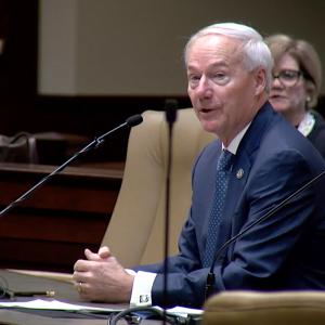 Legislators Approve Hutchinson's Plan to Reorganize State Government
