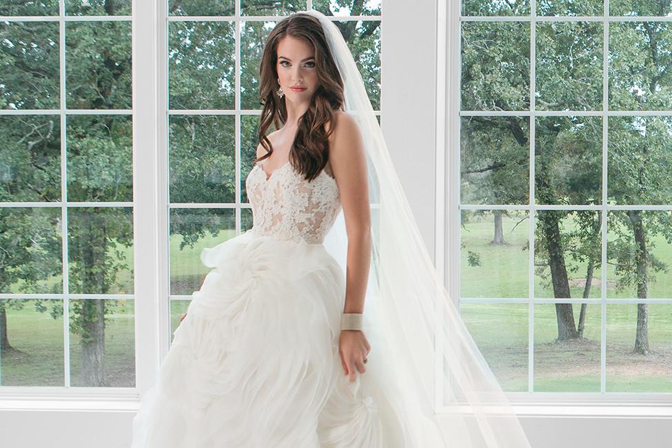 febd7e8ade2 Southern Charm  Gorgeous Wedding Fashion for Arkansas Brides