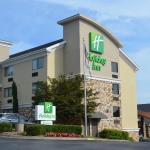 WLR Holiday Inn Sold for $5.5M
