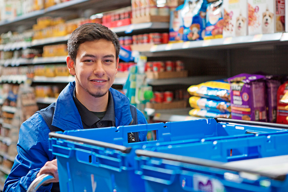 Walmart is adding to an army of 30,000 personal shoppers to power its new grocery delivery service. The workers also  select groceries for pickup customers.
