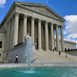 US Supreme Court to Hear Arkansas Case on Drug Benefits Law