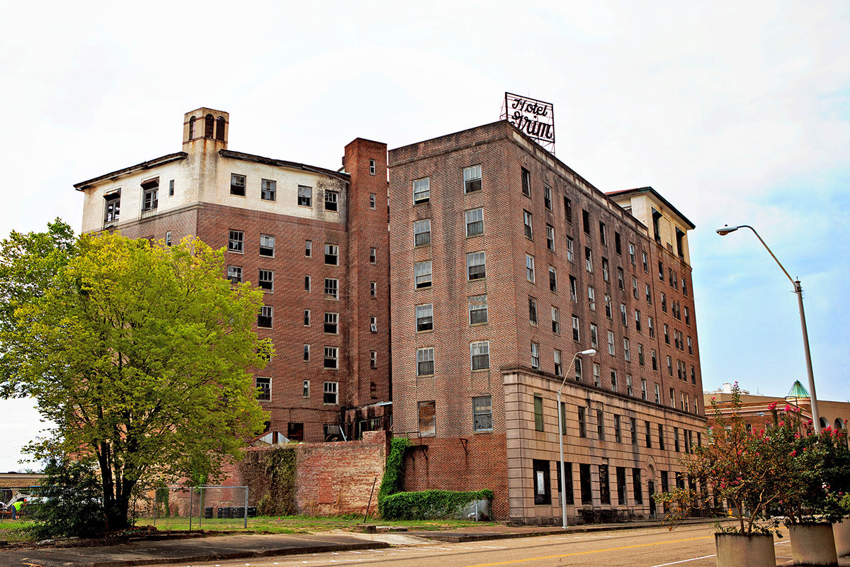 The Hotel Grim in Texarkana, Texas, was completed in 1925 but has been vacant for many years. Construction to transform the Grim into apartments is expected to be finished by the end of 2020.