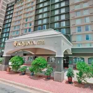 La Quinta Inn & Suites Attracts $7M Sale (Real Deals)