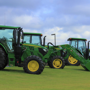 Deere Sees Signs of Stability on Farm in Bruising Trade Fight