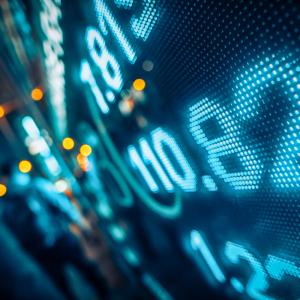 Stocks Fall, Cap Worst Quarter Since 2008