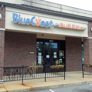 Restaurateurs Differ on Plans For Reopening
