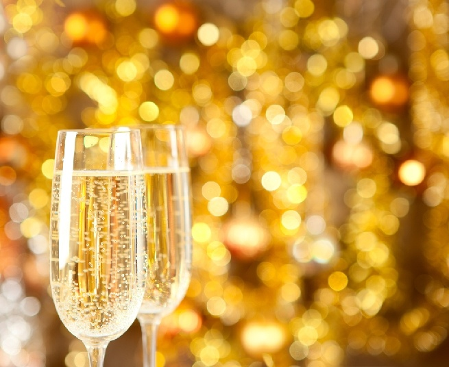 cheers choosing budget friendly champagne for your wedding