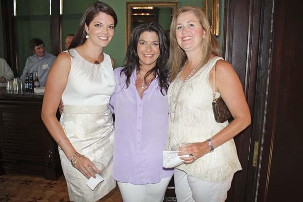 Luci Deere, Lila Ashmore, Ellen Scruggs