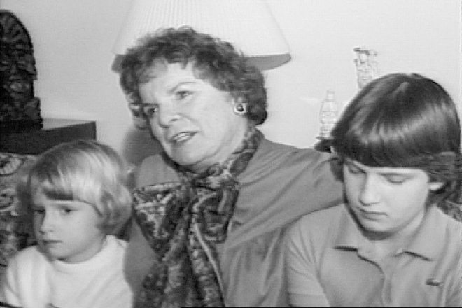 John Markle left behind a bitter, accusatory letter for his mother, Academy Award-winning actress Mercedes McCambridge, shown here in an undated video with granddaughters Suzanne, left, and Amy Markle. (Photo courtesy KATV-TV, Channel 7)