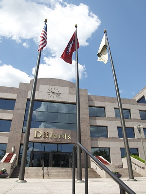 Dillard's Signs Credit Card Agreement With Wells Fargo