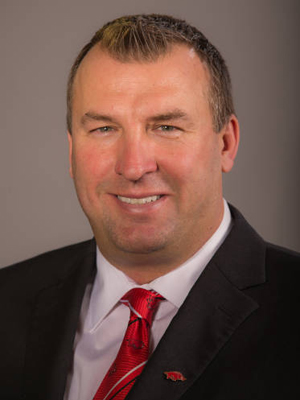 Razorback Football Coach Bret Bielema Draws Crowd at Arkansas Trucking Conference
