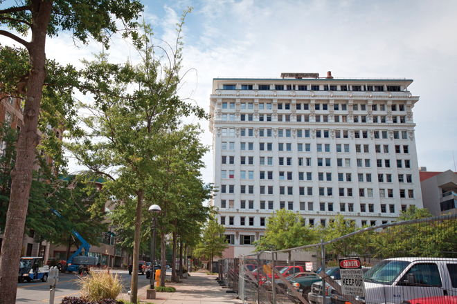 Boyle Building in Little Rock Will Carry Aloft Hotel Banner