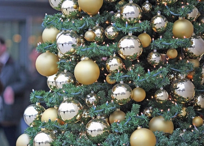 Enter Soirée's Christmas Tree Decorating Contest