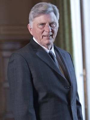 Mike Beebe Signs Budget With Private Option Into Law