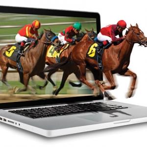 Oaklawn Opens Gate to Online Gambling
