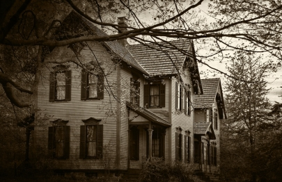 Scared Straight: 6 Haunted Houses to Check Out This Weekend