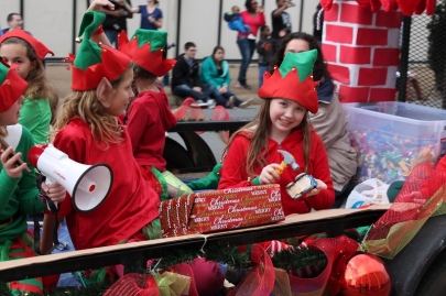 10 Events for Weekend Fun: Holiday Parades, Breakfast with Santa, Nutcracker Tea & More