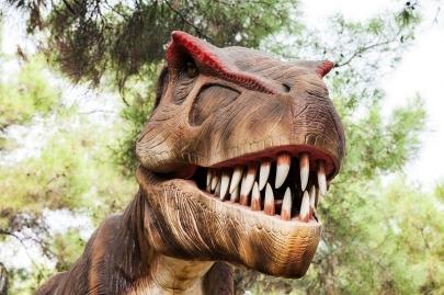 Dinosaur Exhibit at Clinton Presidential Center Open Through October