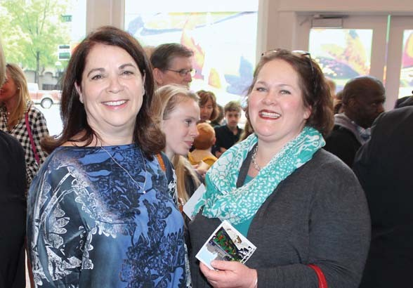 Linda Newbern, Kate Quinlan-Laird