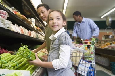 3 Smart Shopping Tips for Kids Eat Right Month