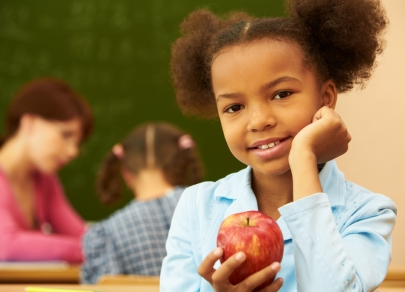 Here's How Eating Snacks Throughout the Day Can Help School Performance