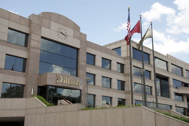 Dillard's Same-Store Sales, Earnings Decline For 4Q, Fiscal Year