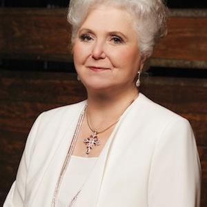 Sissy Jones Receives Lifetime Achievement Award from Women's Jewelry Association