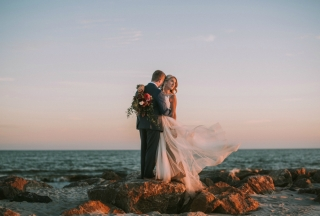 Real Beach Wedding: Jessika Ballew of Searcy & Tyler McCuin of Nashville