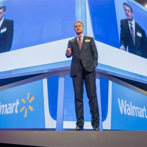 Wal-Mart CEO Doug McMillon Sees Compensation Rise in 2016