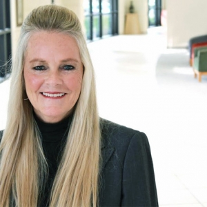Juli Stec Named COO of Mercy Hospital (Movers & Shakers)