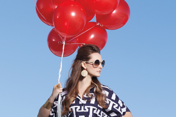 Red balloons, fashion