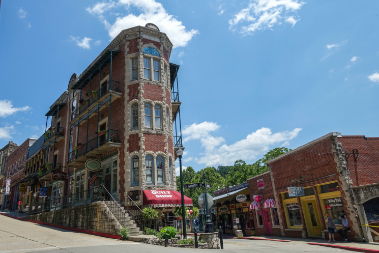 5 Reasons Why Eureka Springs Is The Perfect Place To Say