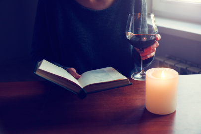 Book Lovers Unite for Vintage Lit Miniseries