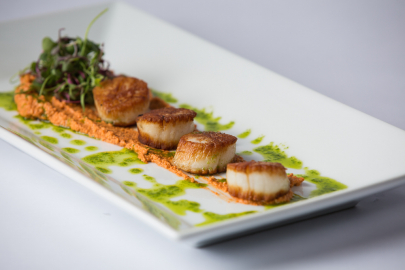 Seared Diver Scallops with Red Pepper Pesto Recipe + Wine Pairings