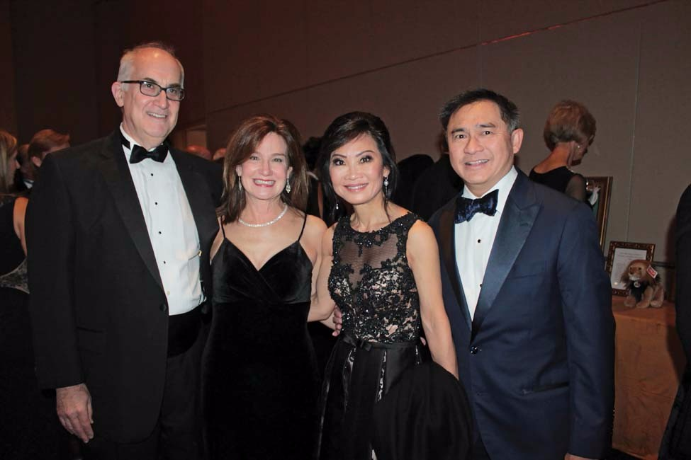 Dr. Adrian and Katherine Williamson, Dr. Suzanne and Bill Yee