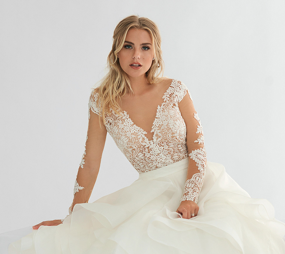 White Hot: Radiant, Daring Wedding Gowns and Accessories for the ...