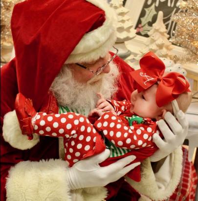 Meet Our 2017 Santa Photo Contest Winners!