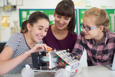 Central Arkansas Students Encourage Girls to Pursue STEM