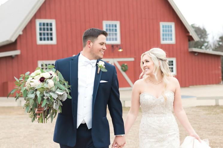 Real Fayetteville Wedding: Hanna +