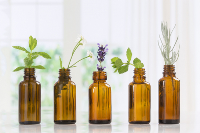 Your Cheat Sheet to 5 Common Essential Oils