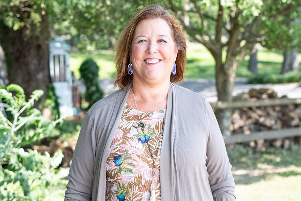 LIVING IN ARKANSAS Meet the Neighbors Cindy Smith